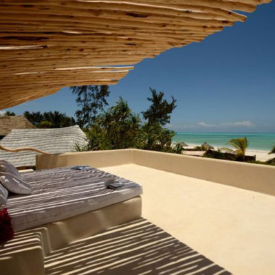 white-sand-bed