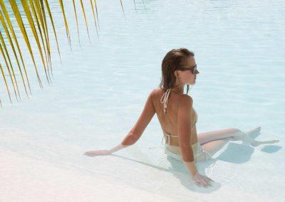 zanzibar-beach-swim