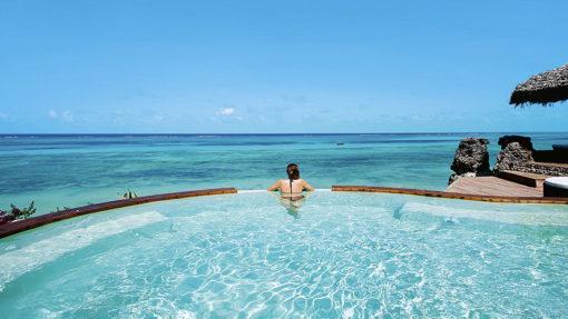 4-KARAFUU-BEACH-RESORT&SPA-HONEYMOON-pool-romantic