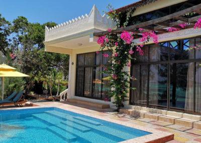 moja-tuu-zanzibar-villa-patio-pool