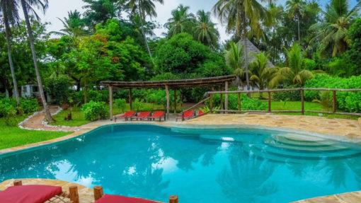 panga-chumvi-blue-pool-relax